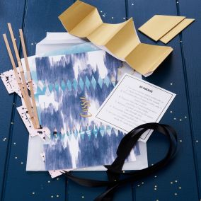 Personalised Make Your Own Christmas Crackers Set