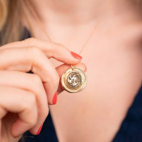 Japanese Wax Seal Birth Flower Necklace