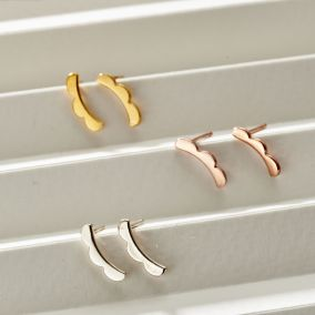 Scalloped Curve Stud Earrings