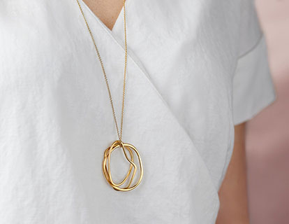 gold triple hoop necklace